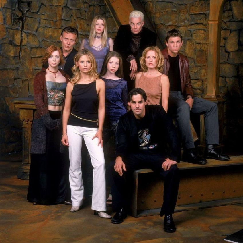buffy-angel-xander-willow-giles-spike-anya-dawn-cordelia-tara-oz-riley-whedon-S5 54 dvdbash