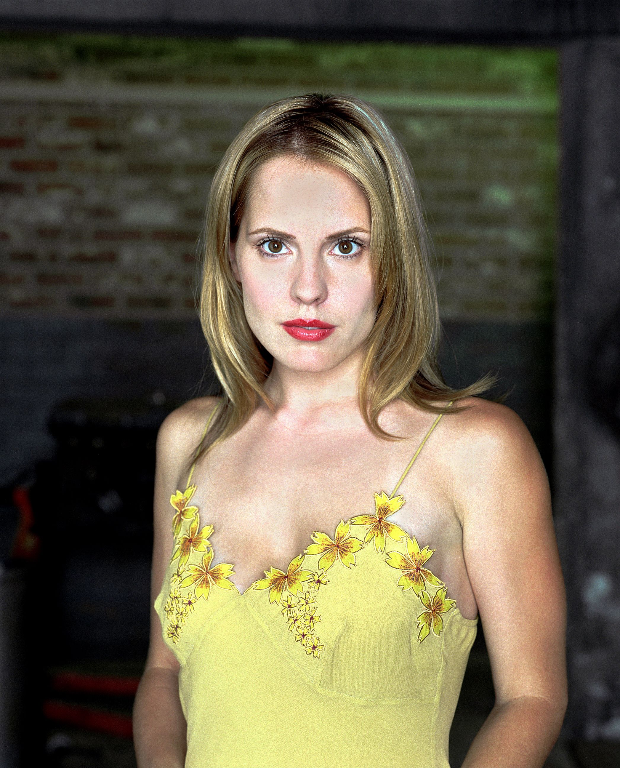 emma caulfield twitter