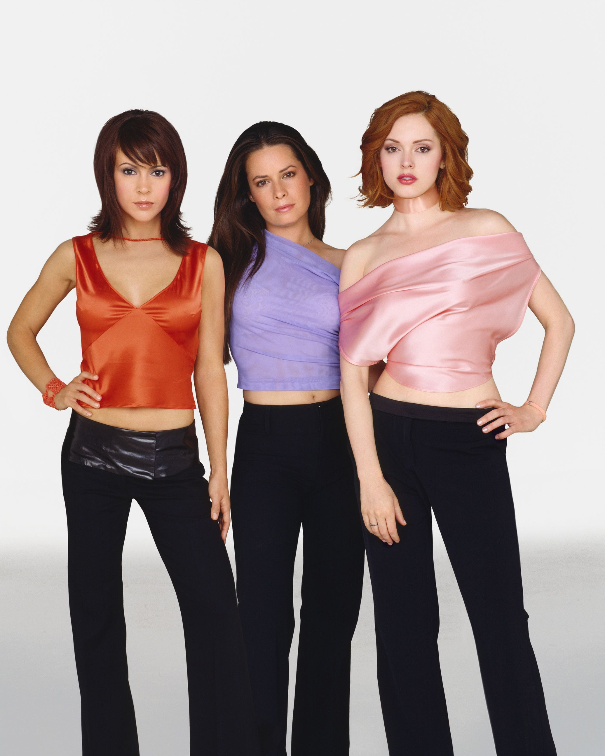 Charmed halliwell sisters 2nd s5 dvdbash06 dvdbash published 10 february 2012 at 2073 2592 in charmed altavistaventures Gallery