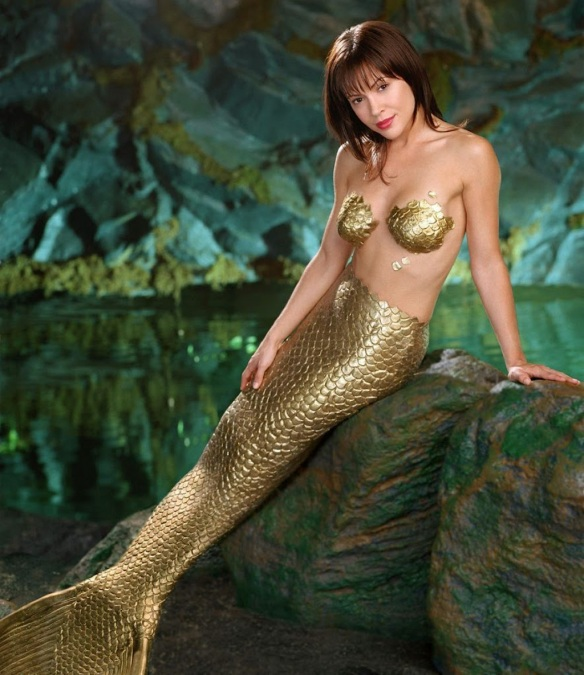 Alyssa Milano Phoebe the Mermaid in Charmed