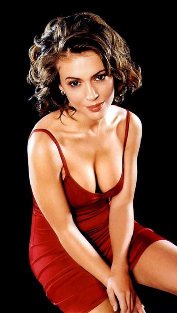 Alyssa Milano red hot