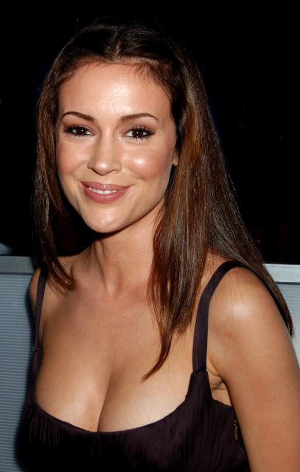 Alyssa Milano Look me in the eyes !