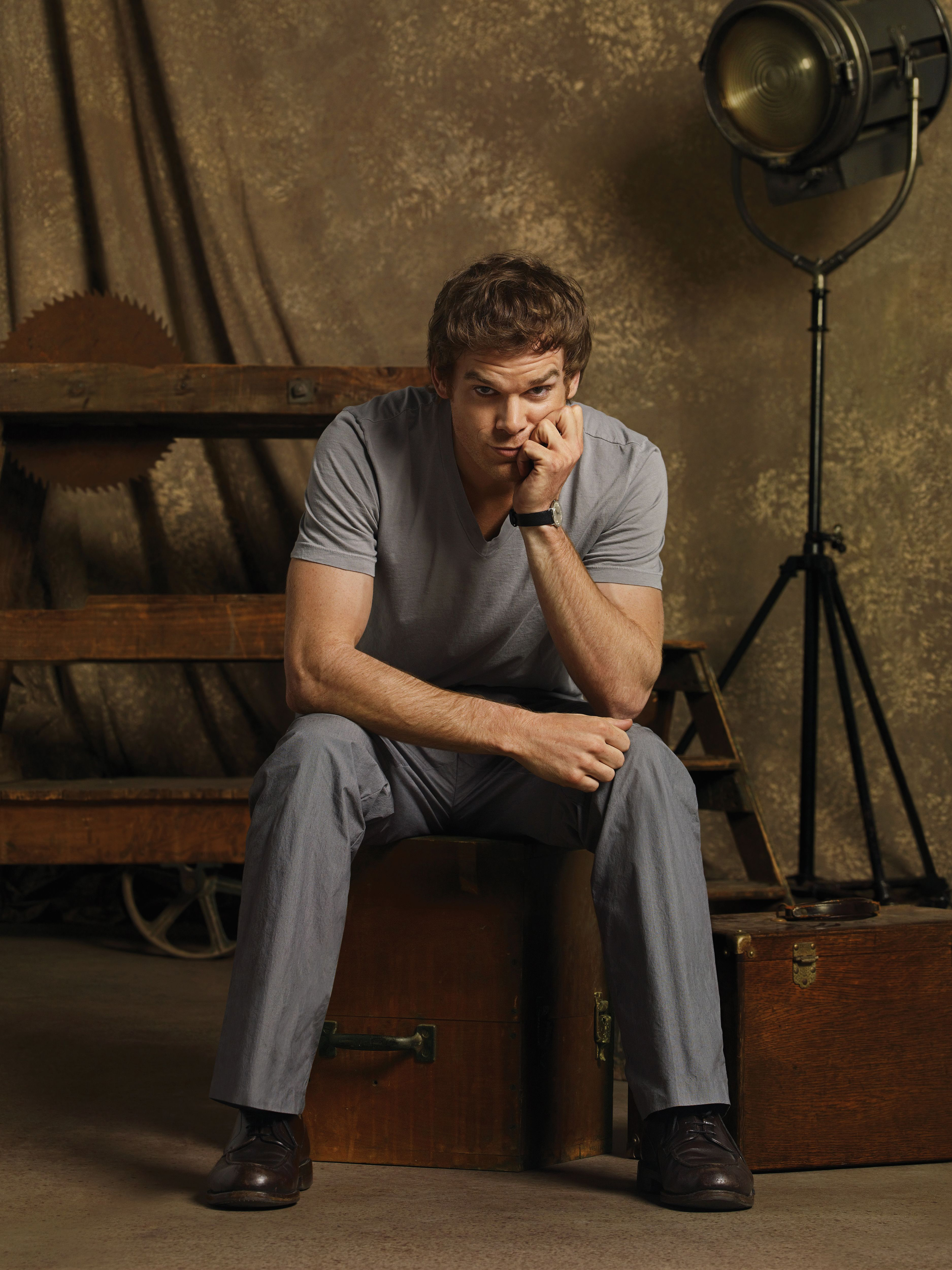 the double life of dexter morgan Dexter(tm) is a crime drama about dexter morgan, a man who leads a double life as an incredibly likeable forensics expert for the miami police department and as an emotionless vigilante.