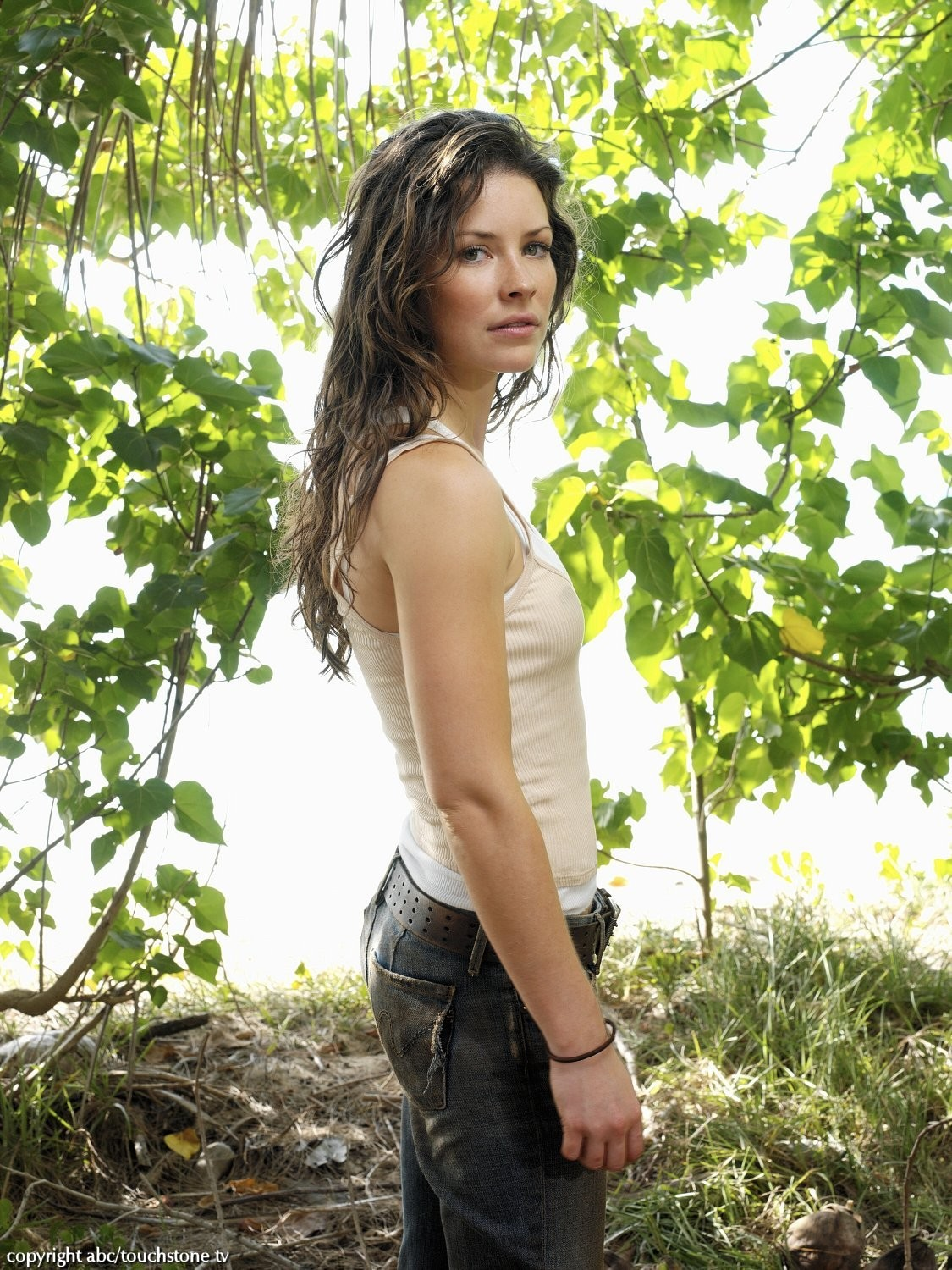 http://dvdbash.files.wordpress.com/2012/04/lost_evangeline_lilly_freckles_kate_austen_dvdbash_1871.jpg