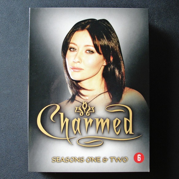 Charmed Complete Series DVD Box Set, starring Shannen Doherty as Prue Halliwell, Holly Marie Combs as Piper Halliwell, Alyssa Milano as Phoebe Halliwell, Rose McGowan as Paige Matthews-Halliwell, Kaley Cuoco as Billie Jenkins, Brian Krause as Leo Wyatt, D