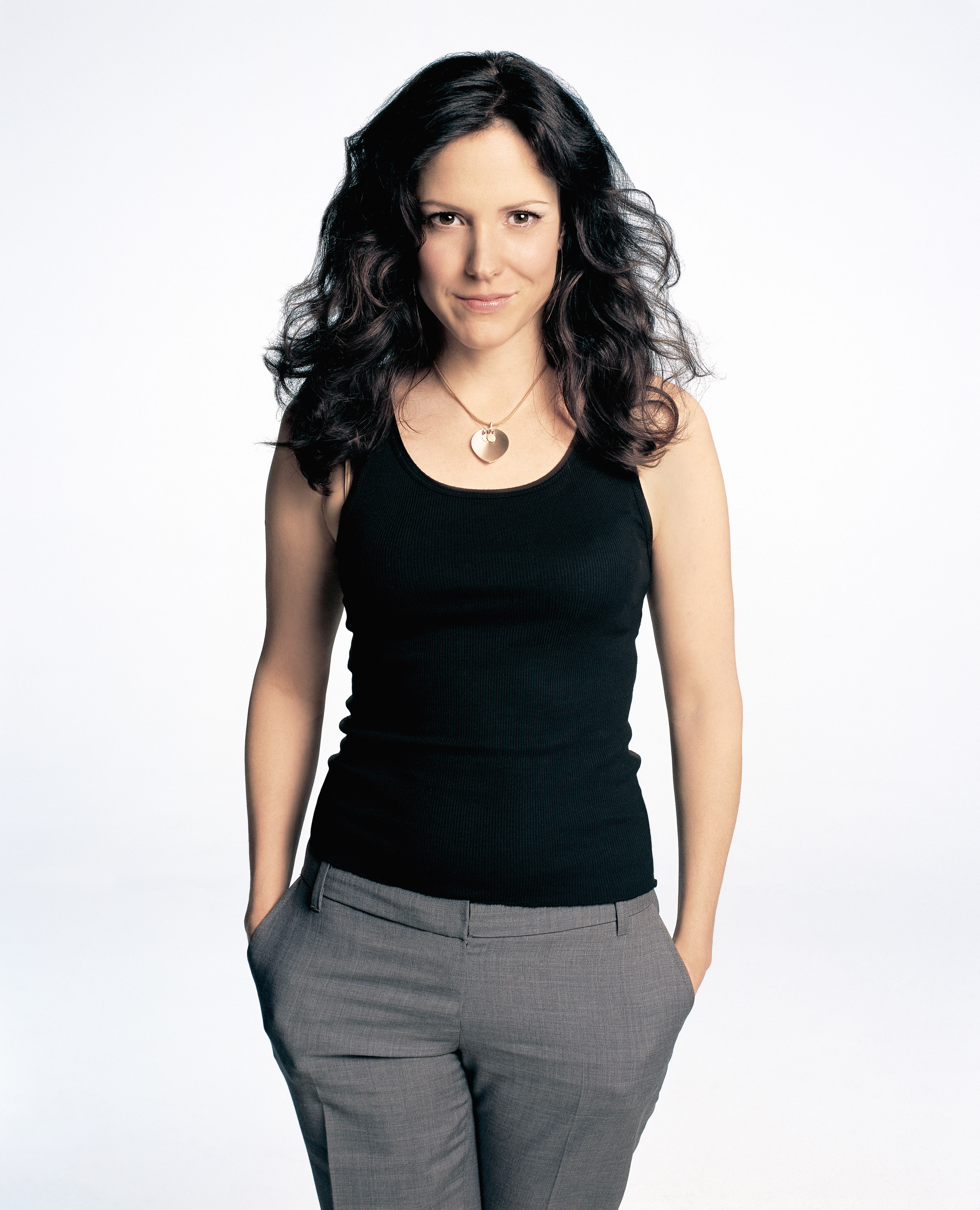 Weeds Mary-Louise Parker and Cast pictures | DVDbash