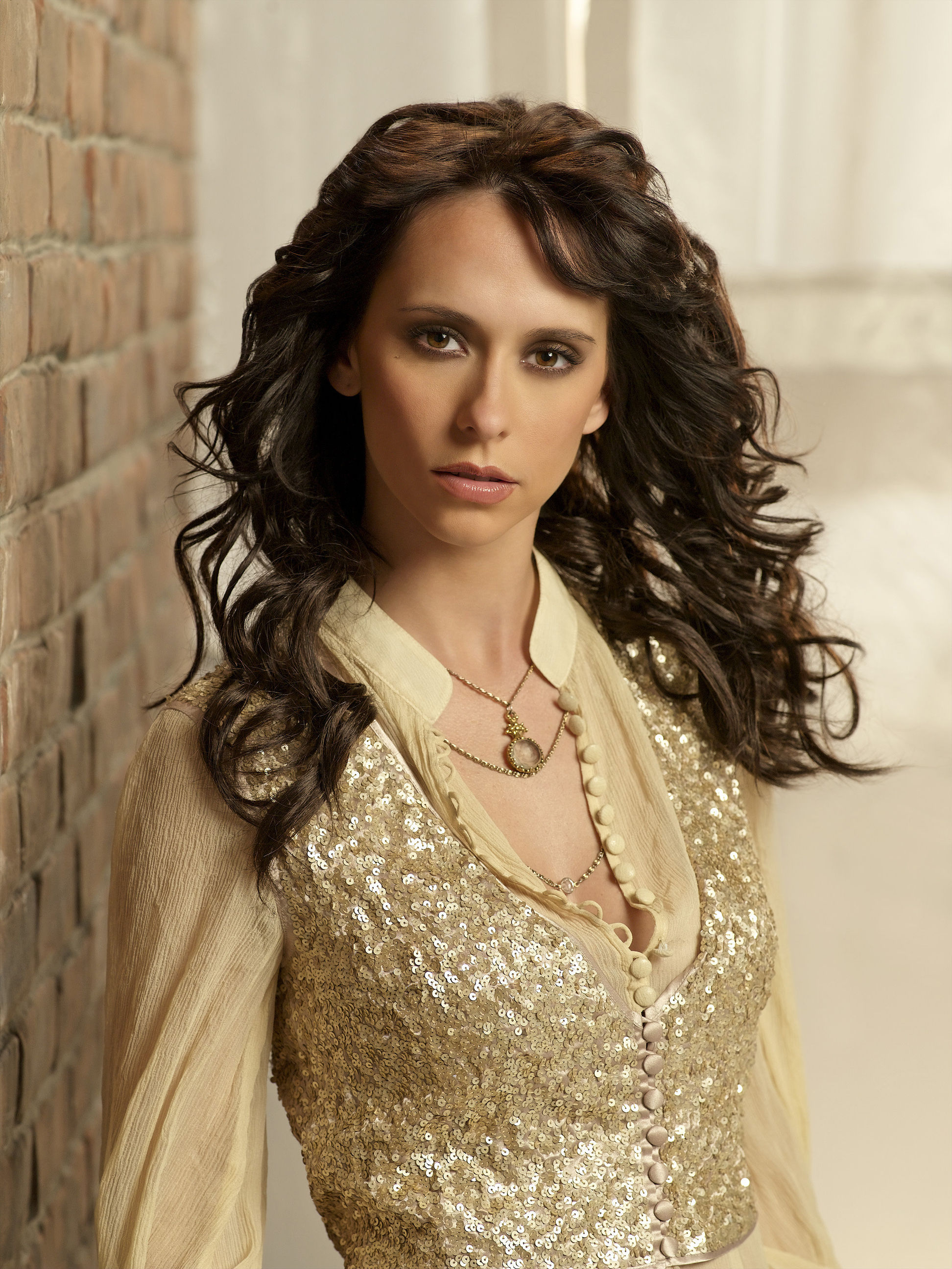 Jennifer Love Hewitt American actress and singer-songwriter - Biography
