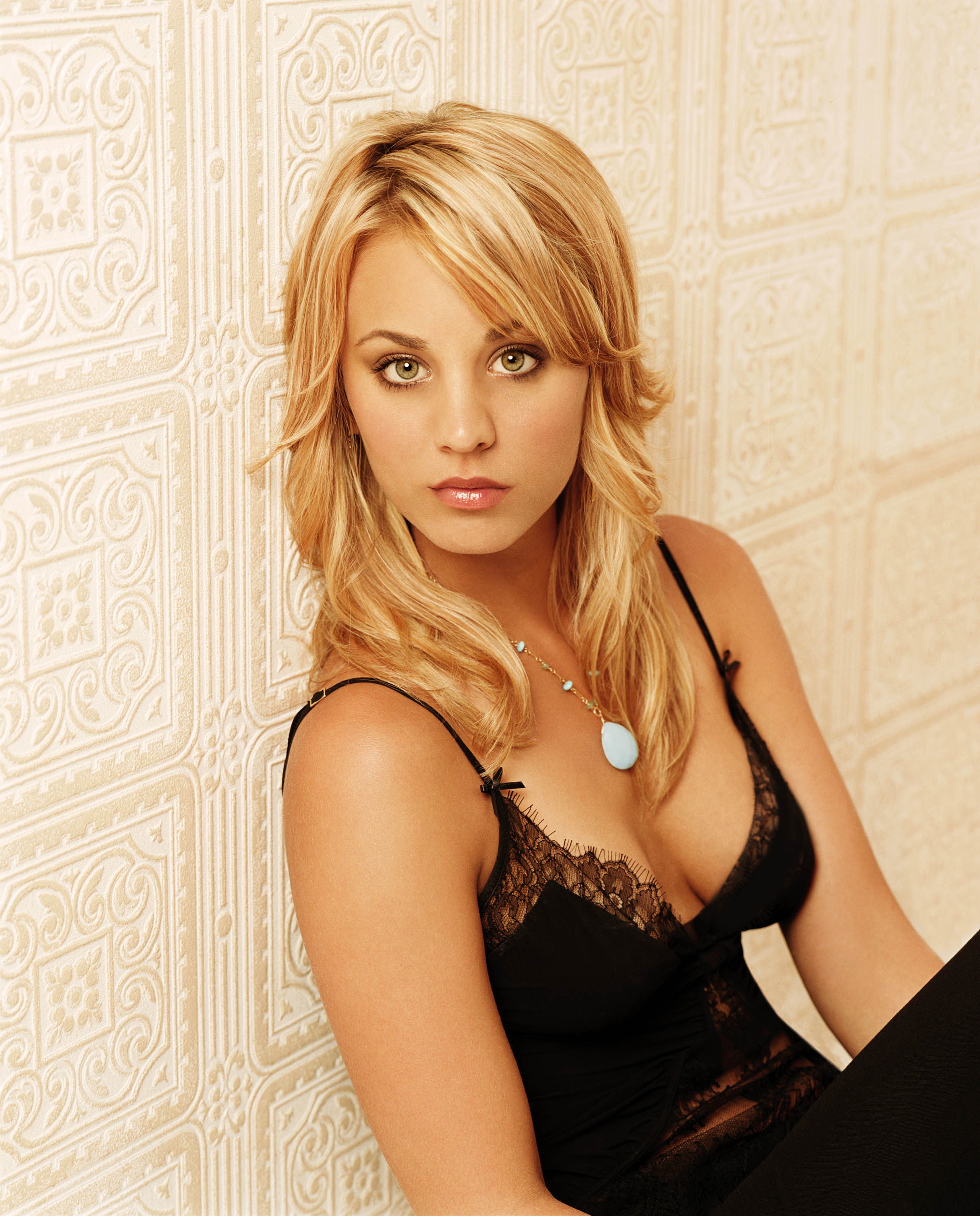 Kaley Cuoco Charmed