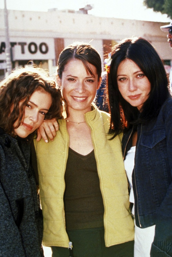 Charmed-Milano-Combs-Doherty-McGowan-Cuoco-Halliwell-hot-girl-dvdbash-wordpress002