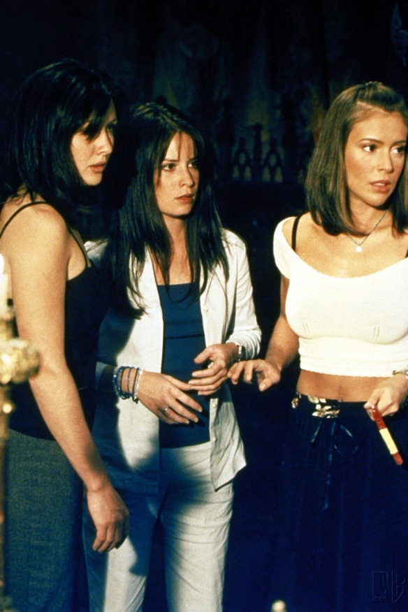 Charmed-Milano-Combs-Doherty-McGowan-Cuoco-Halliwell-hot-girl-dvdbash-wordpress007