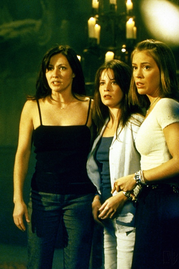 Charmed-Milano-Combs-Doherty-McGowan-Cuoco-Halliwell-hot-girl-dvdbash-wordpress009