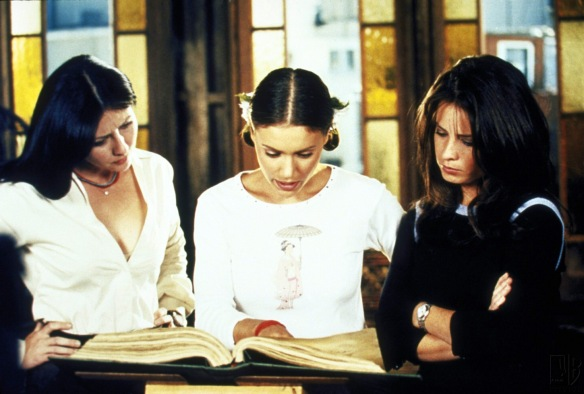 Charmed-Milano-Combs-Doherty-McGowan-Cuoco-Halliwell-hot-girl-dvdbash-wordpress014