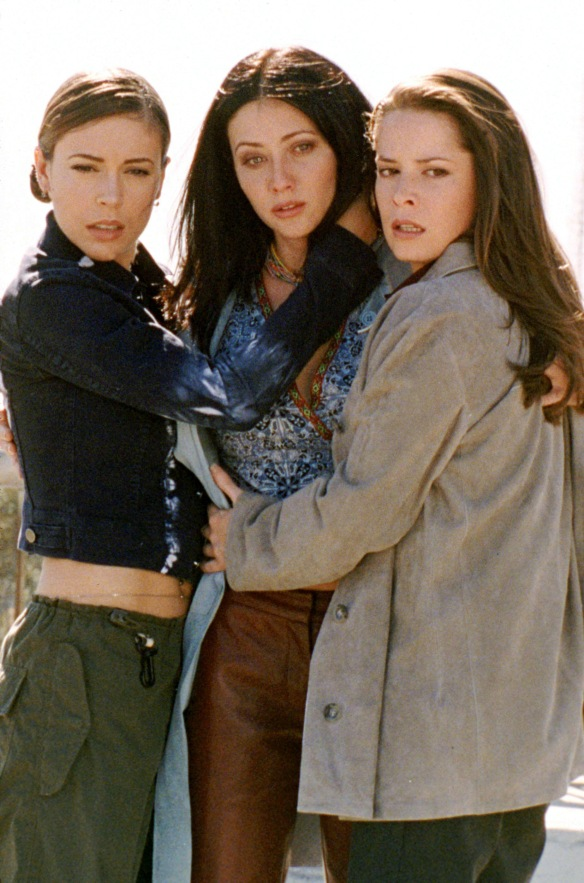 Charmed-Milano-Combs-Doherty-McGowan-Cuoco-Halliwell-hot-girl-dvdbash-wordpress024