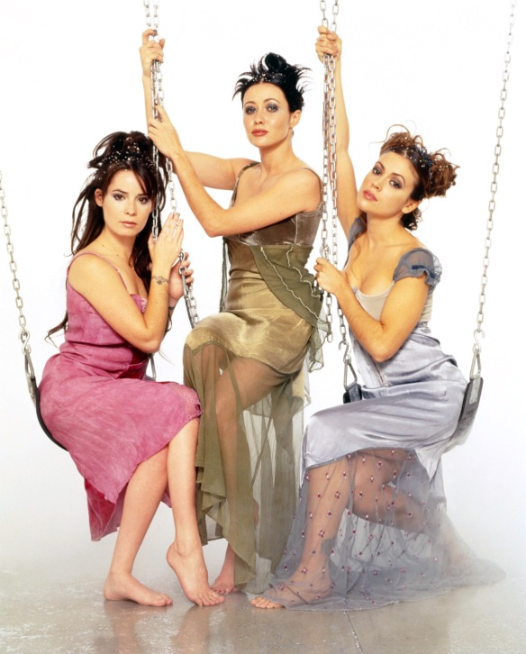 Charmed-Milano-Combs-Doherty-McGowan-Cuoco-Halliwell-hot-girl-dvdbash-wordpress044