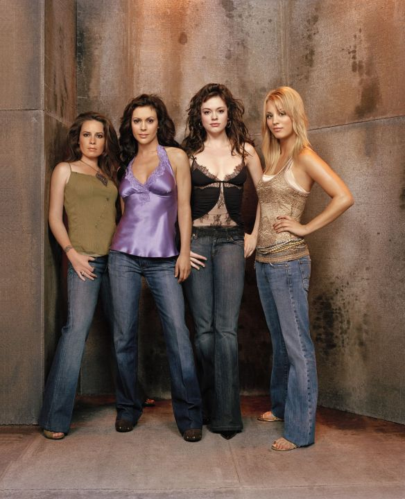 Charmed-Milano-Combs-Doherty-McGowan-Cuoco-Halliwell-hot-girl-dvdbash-wordpress094