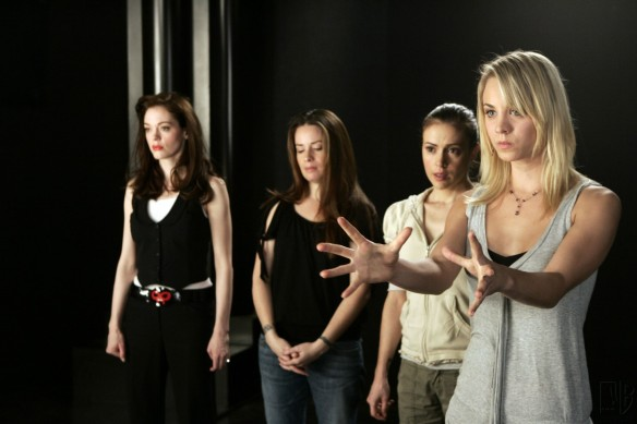Charmed-Milano-Combs-Doherty-McGowan-Cuoco-Halliwell-hot-girl-dvdbash-wordpress114