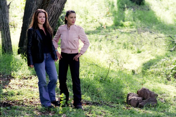 Charmed-Milano-Combs-Doherty-McGowan-Cuoco-Halliwell-hot-girl-dvdbash-wordpress123