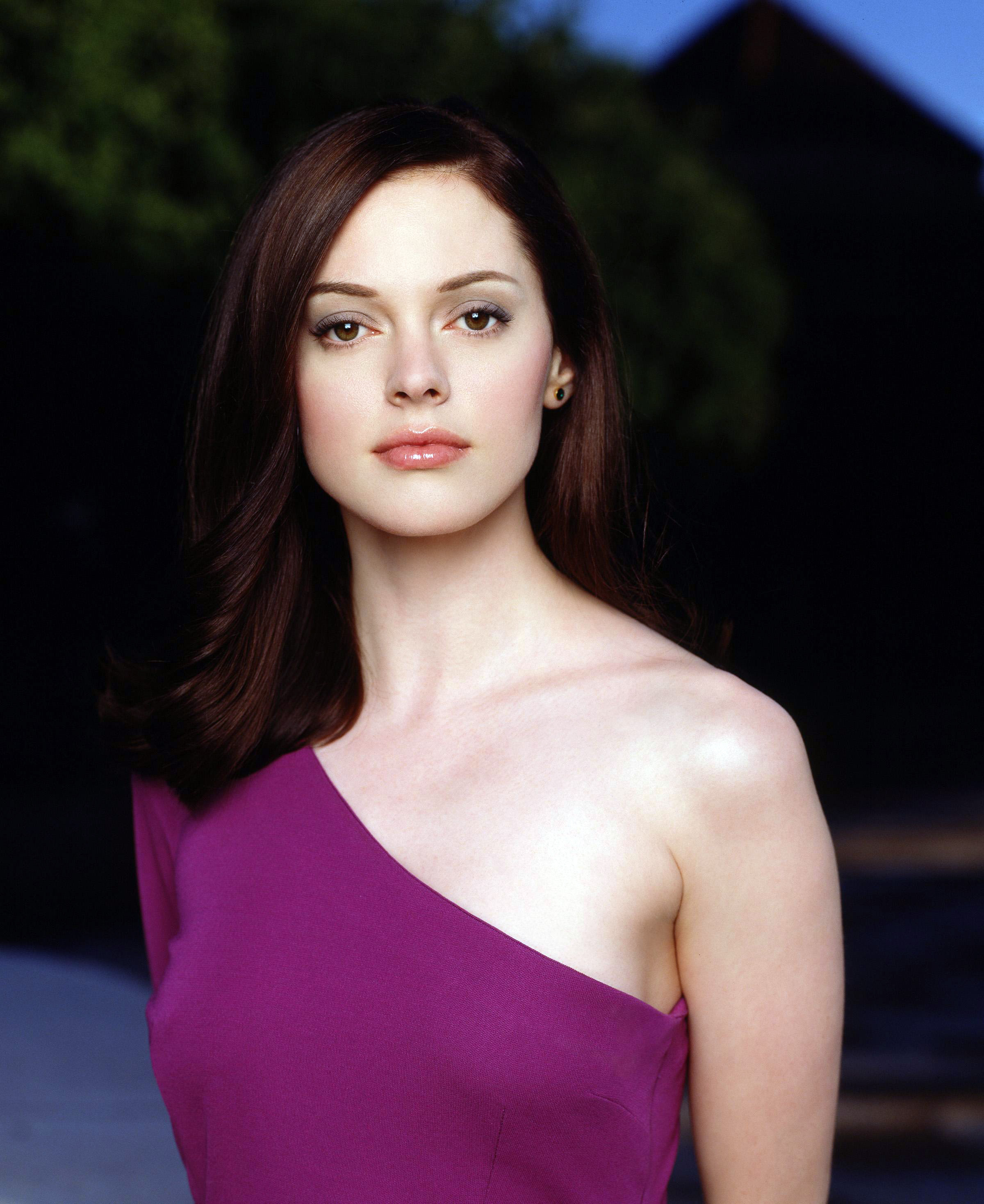 http://dvdbash.files.wordpress.com/2013/01/charmed-paige-rose-mcgowan-hot-girl-dvdbash-wordpress60.jpg