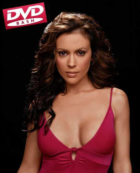 Alyssa Milano as Phoebe Halliwell in CHARMED TV Series - dvdbash.wordpress.com