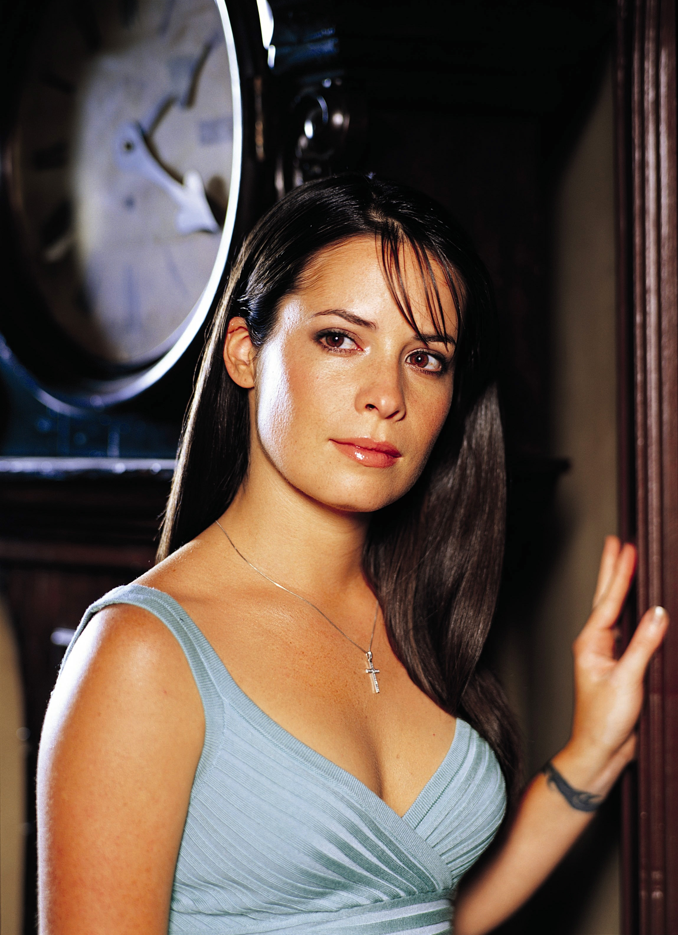 Holly marie combs hot pictures
