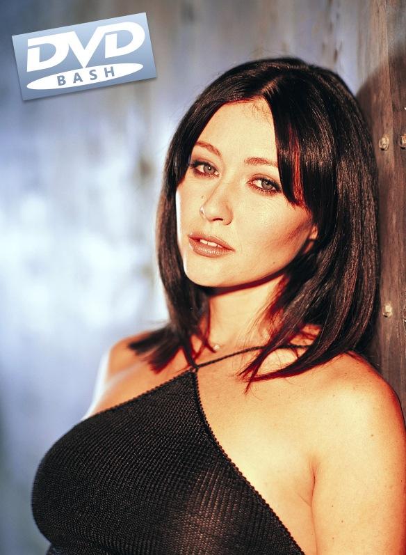 Shannen Doherty as Prue Halliwell in CHARMED TV Series - dvdbash.wordpress.com