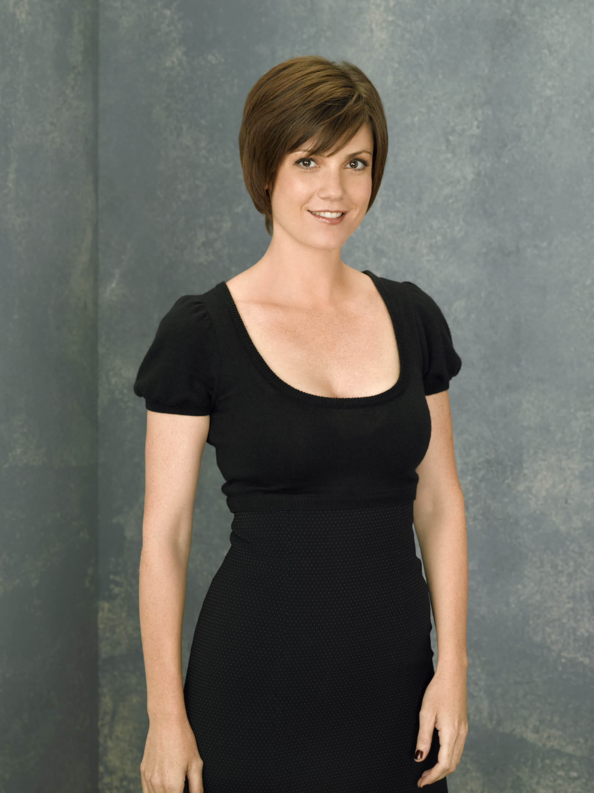 sexy pictures of zoe mclellan