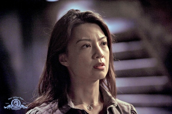 Stargate-Universe-Girls-Ming-Na-Wen-Reiko-Aylesworth-15-dvdbash-wordpress