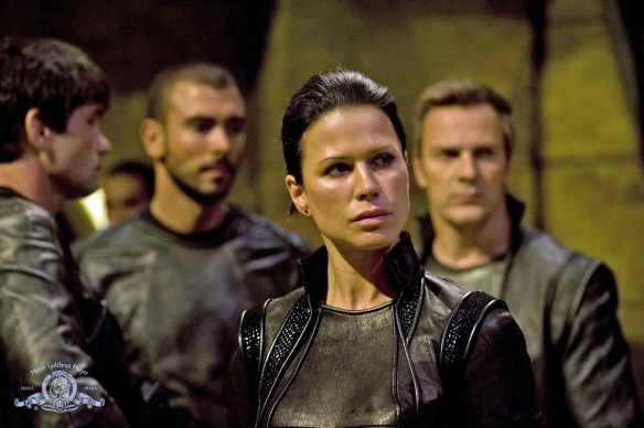 Stargate-Universe-Girls-Rhona-Mitra-3-dvdbash-wordpress