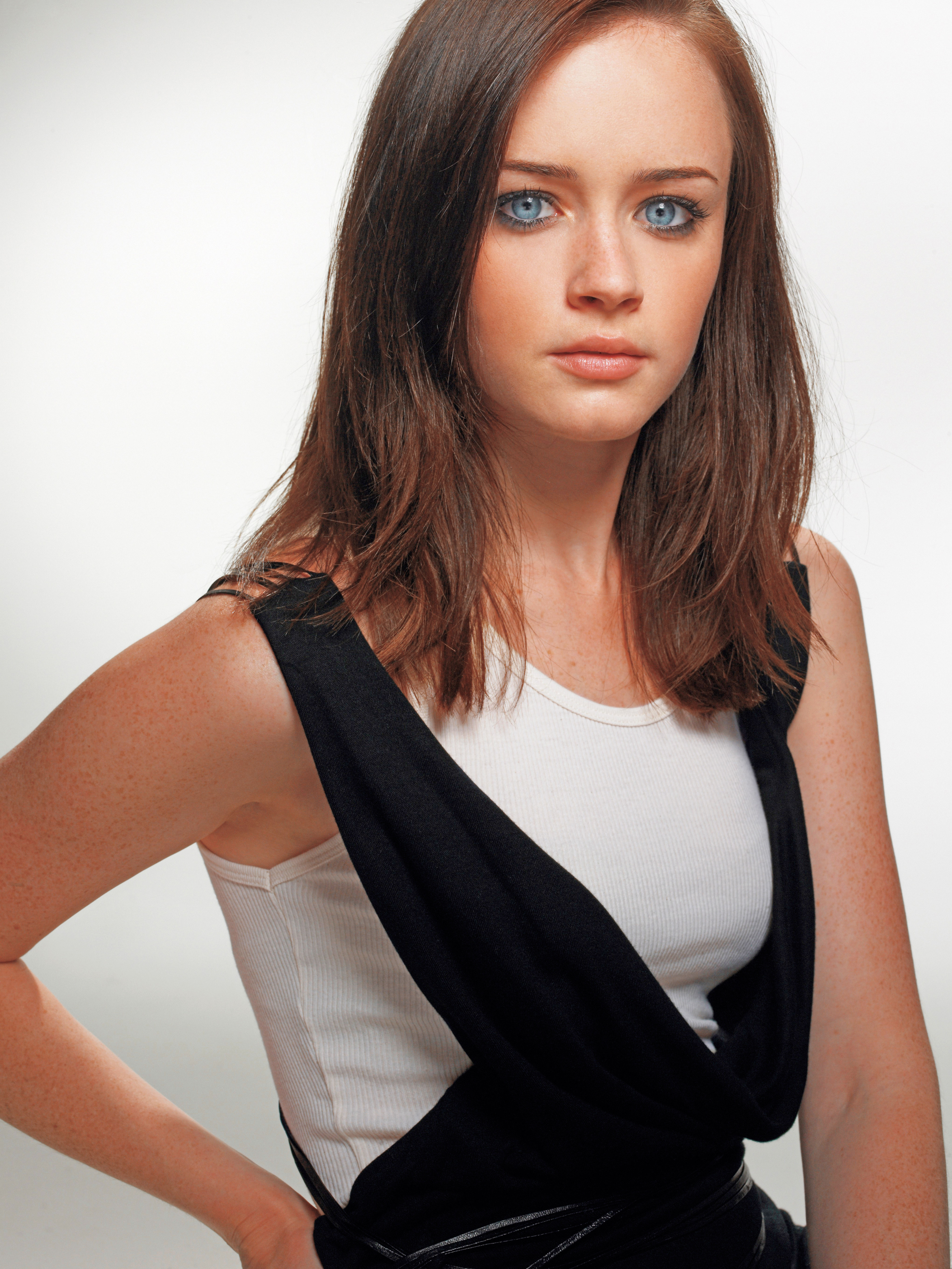 Alexis-Bledel-Beautiful-Hot-Sexy-Dvdbash129-Black-White -4108