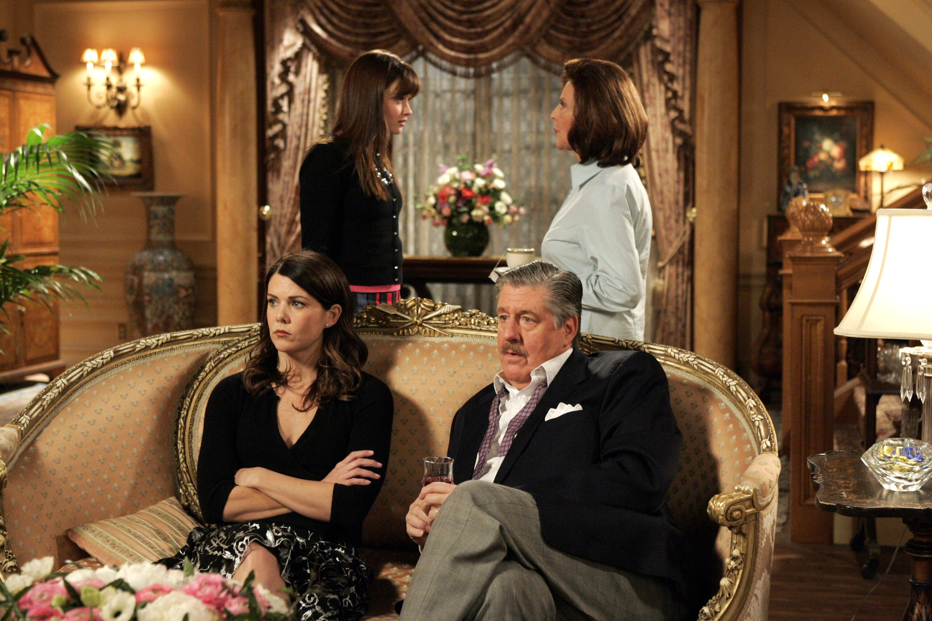 Gilmore Girls 2014 Gallery 11 Life in Stars Hollow | DVDbash
