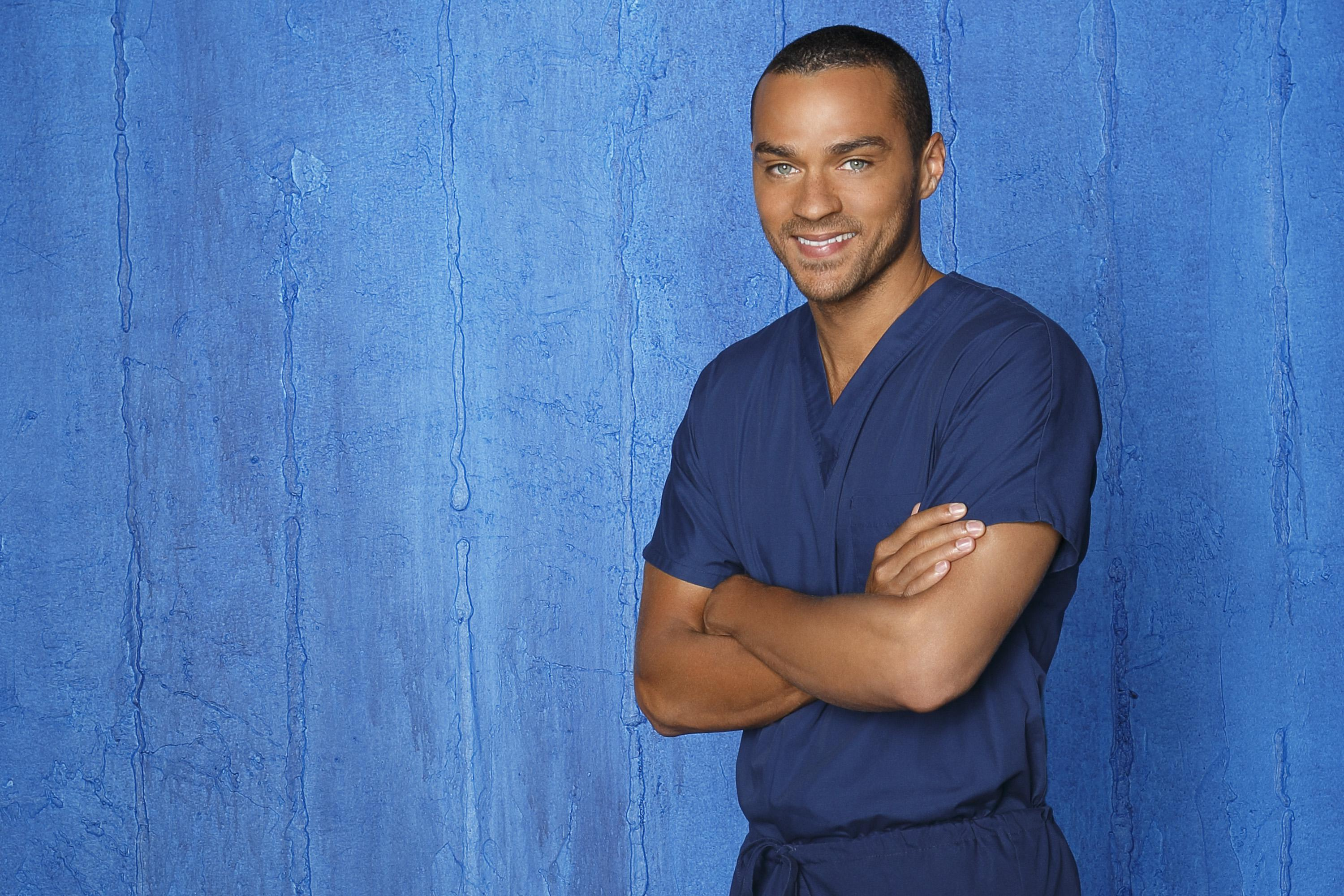 Greys-Anatomy-S09-Jesse-Williams-1-dvdbash | DVDbash