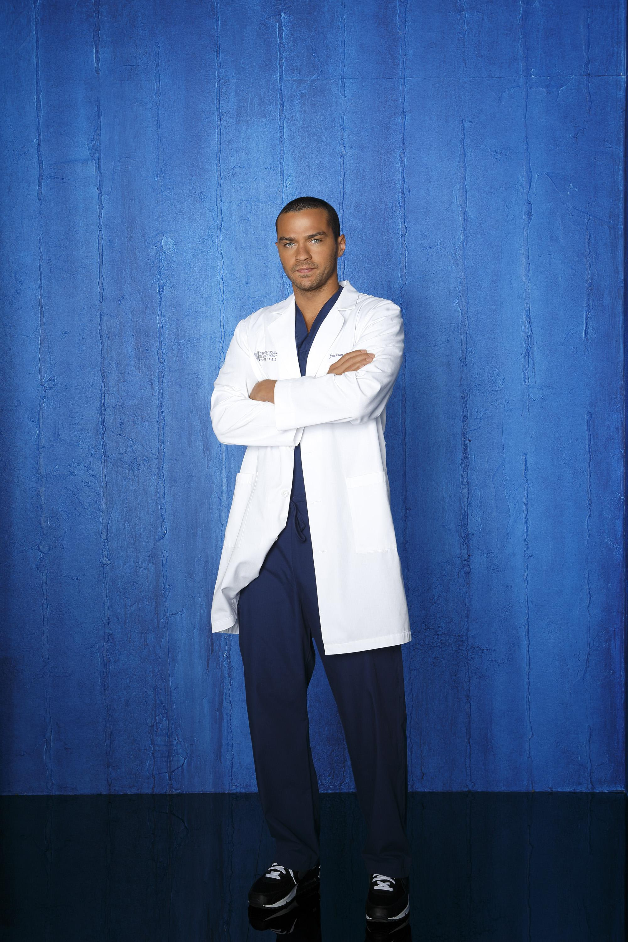 Greys-Anatomy-S09-Jesse-Williams-3-dvdbash | DVDbash