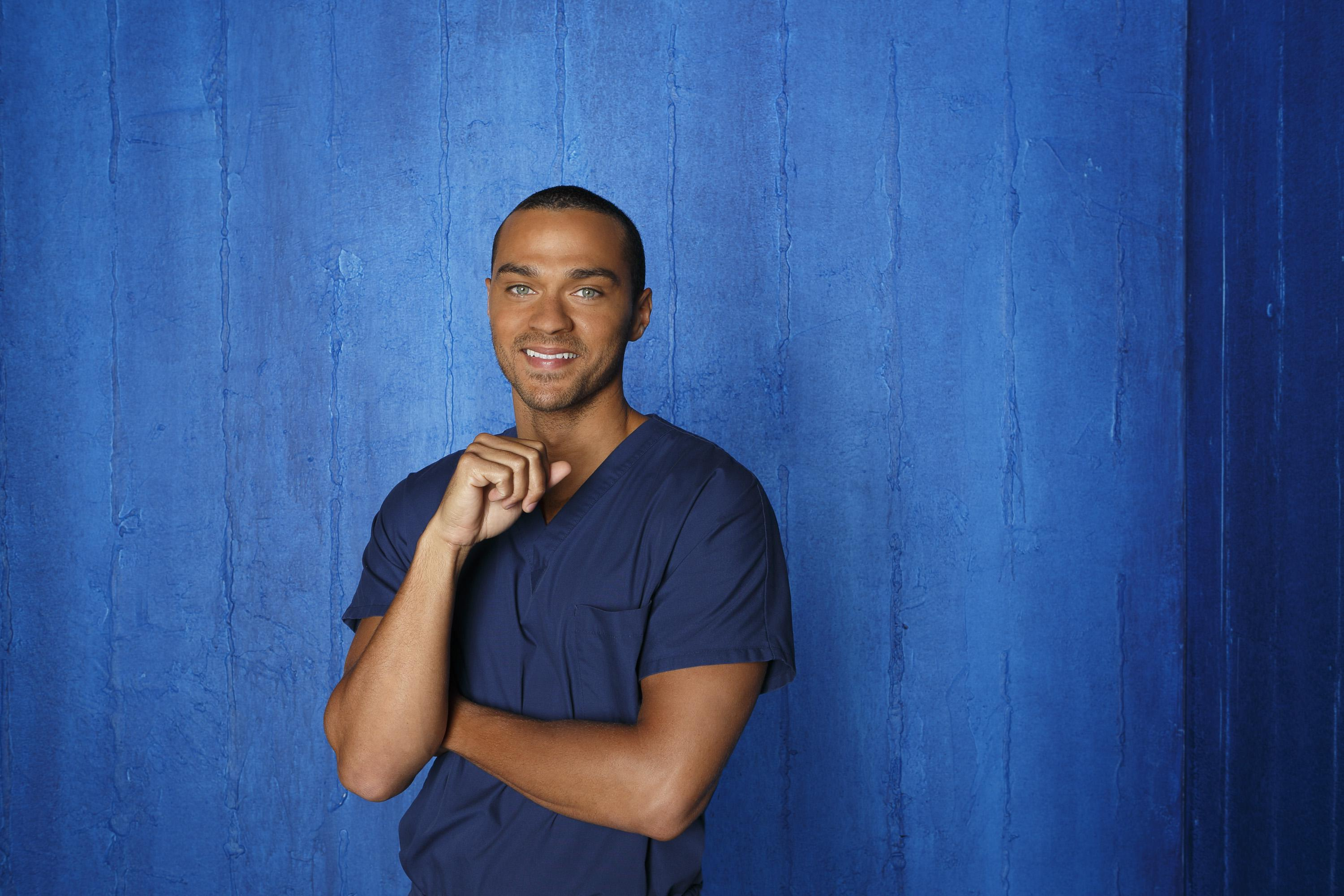 Greys-Anatomy-S09-Jesse-Williams-8-dvdbash | DVDbash