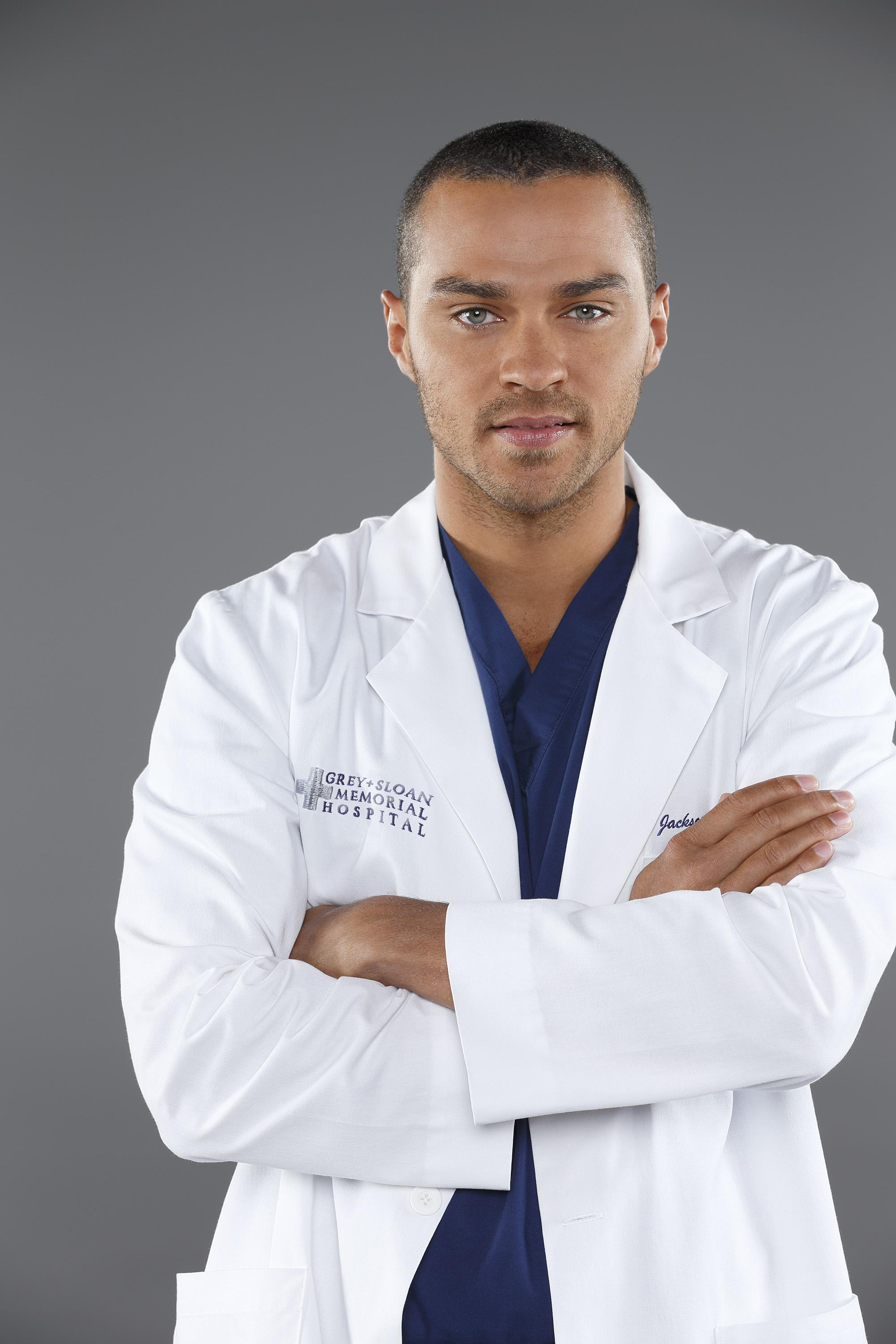 Greys-Anatomy-S10-Jesse-Williams-3-dvdbash | DVDbash